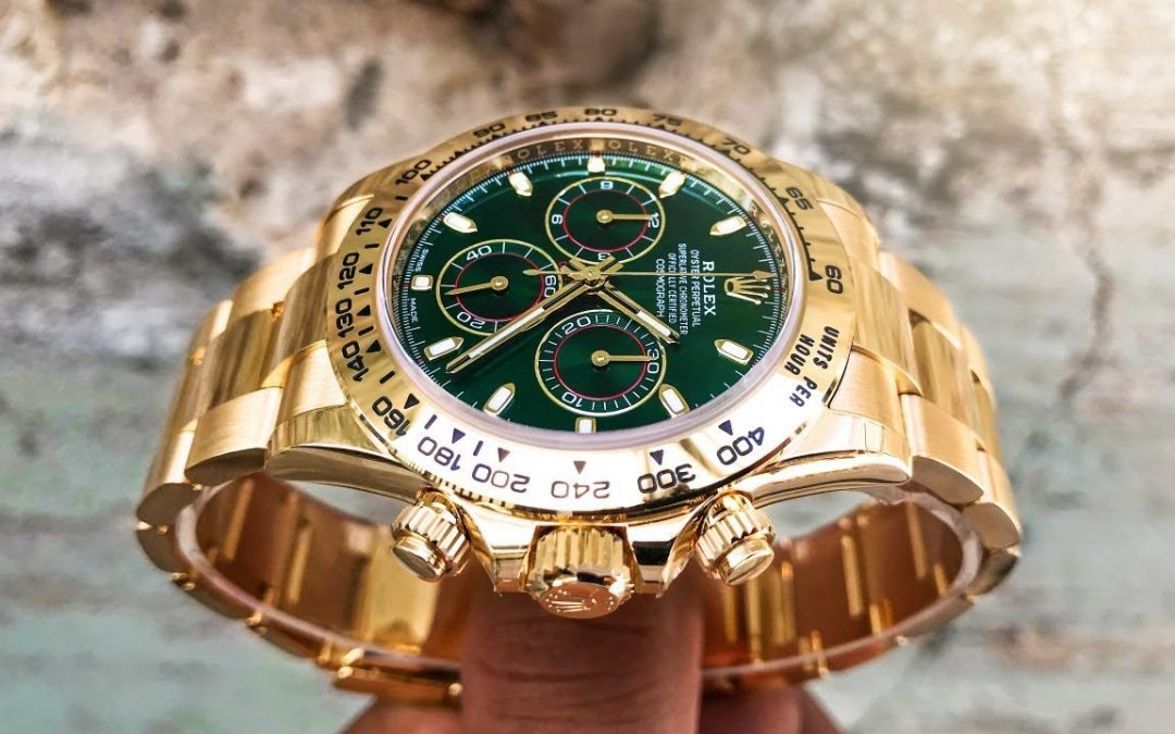 We review the Yellow Gold/Emerald Green Rolex